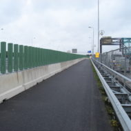 AntiVerblindingsscherm op betonbarrier
