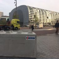 Roadblocks bij Markthal Rotterdam